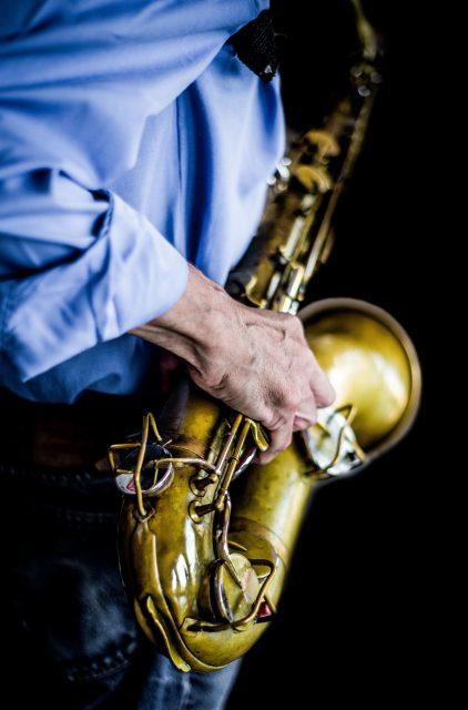 Saxofon istället för gitarr